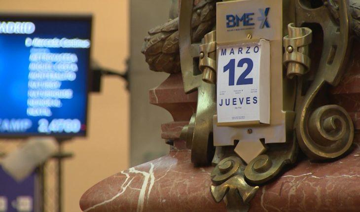 El Ibex 35 cierra paralizando su cotización, registra la mayor caída de su historia