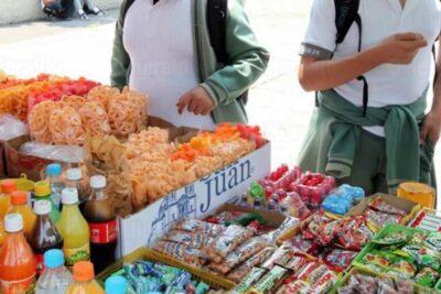 Prohíben la venta de comida chatarra a los niños en Oaxaca